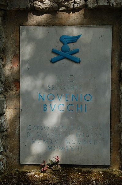 Lapide commemorativa del sergente Novenio Bucchi posta sulla Strada degli Artiglieri - Rovereto