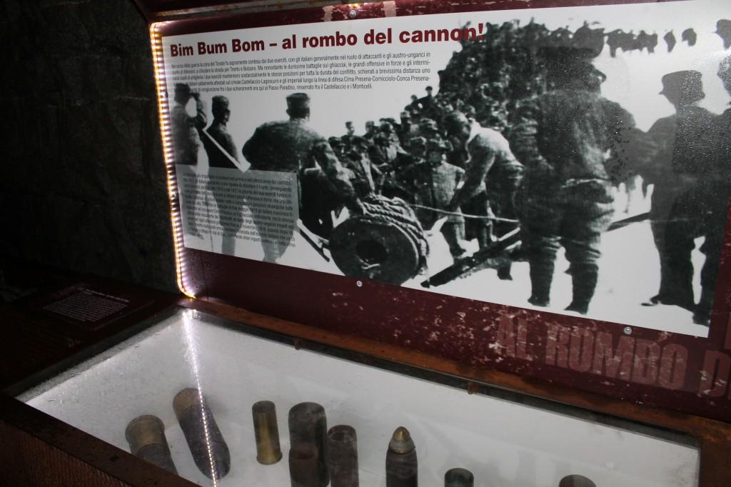 Cimeli di guerra ritrovati sul giacchiaio Presanella (Passo del Tonale) e conservati della Galleria della Grande Guerra Bianca (settembre 2014)