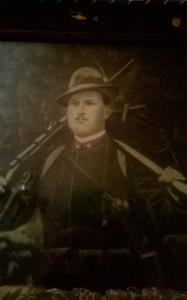 Attestato rilasciato il 24 maggio 1918 a Vincenzo Rauco (particolare) Foto dell'alunno Eufranio Rauco
